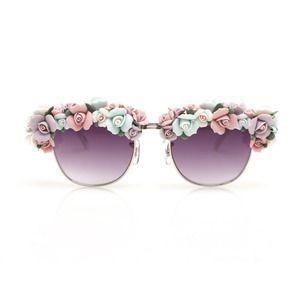 http://www.hellocoton.fr/les-lunettes-fofolles-d-a-morir-eyewear-6456400