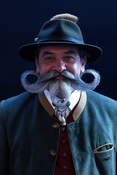 http://www.lexpress.fr/diaporama/diapo-photo/tendances/soin-homme/en-images-world-beard-and-moustache-championships-les-plus-belles-barbes-et-moustaches-du-monde_1296466.html#photo-9
