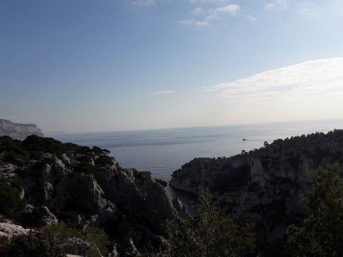 Depuis les calanques, la baie de Cassis dans laquelle plonge la canalisation