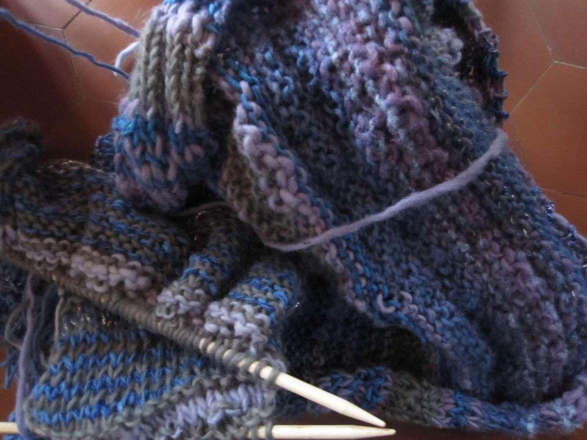 """Un """"gros"""" poncho avec de la bien vieille laine qui attendra sans doute l'automne prochain."""