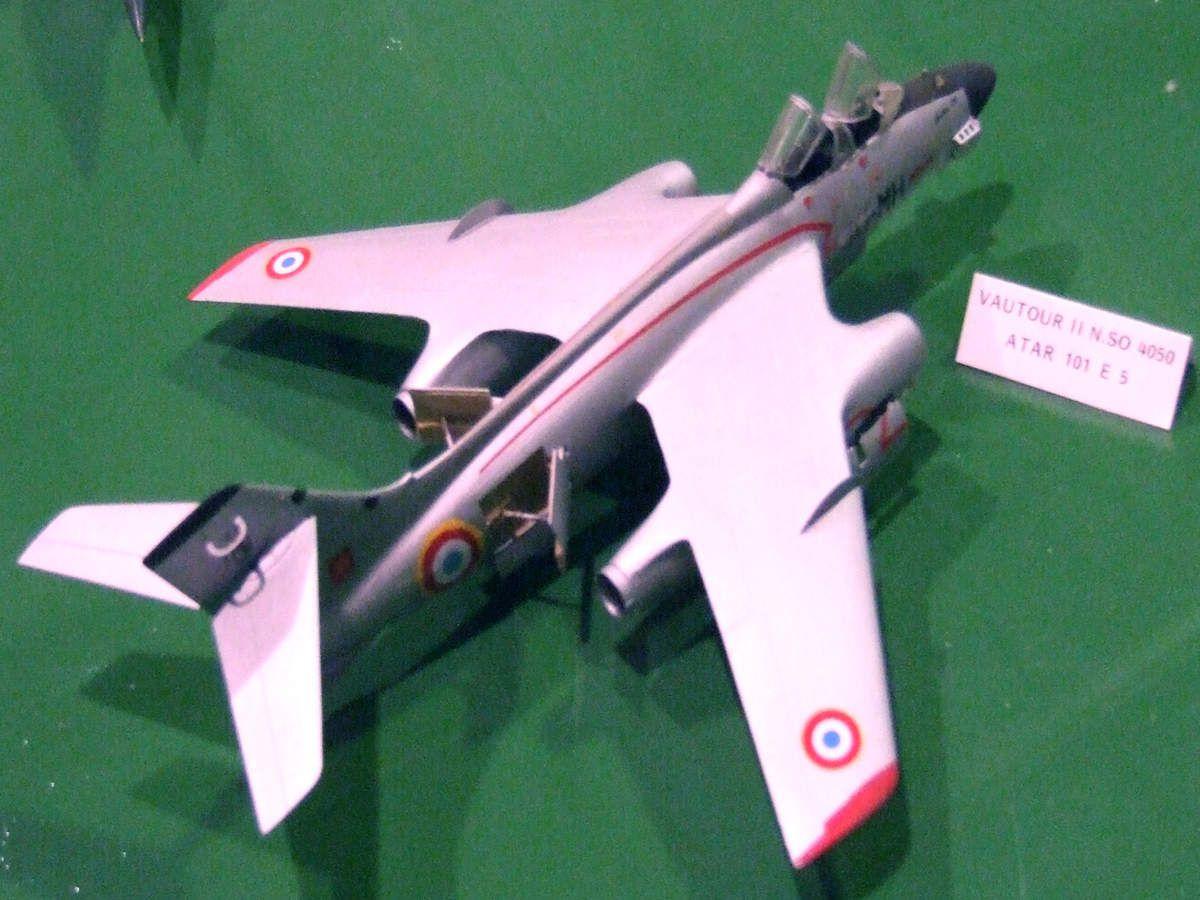 Un avion mythique: le Vautour II N du CEV