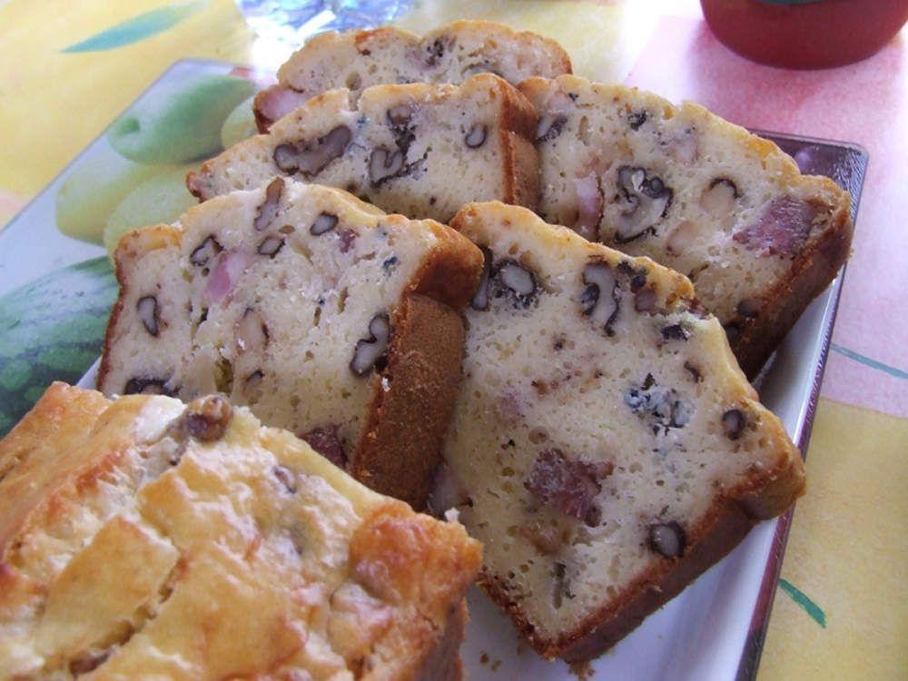 Cake aux noix de Villars en Périgord, au lard fumé et au Roquefort