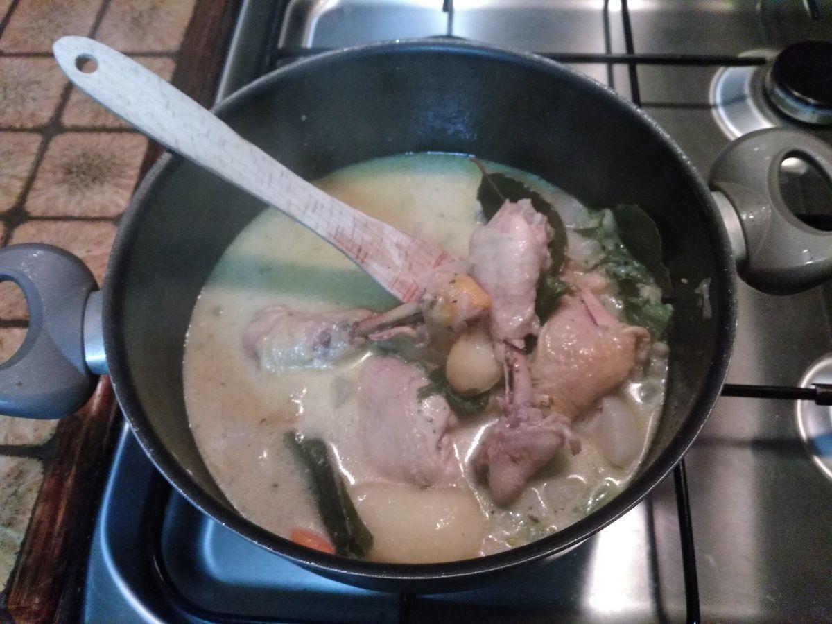 Ce soir c'est cuisses de poulet façon poule au pot