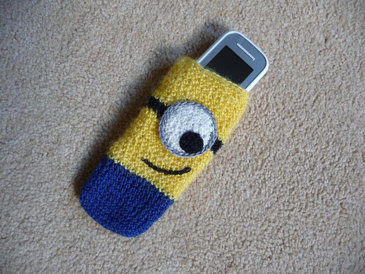 Un minion au téléphone ...