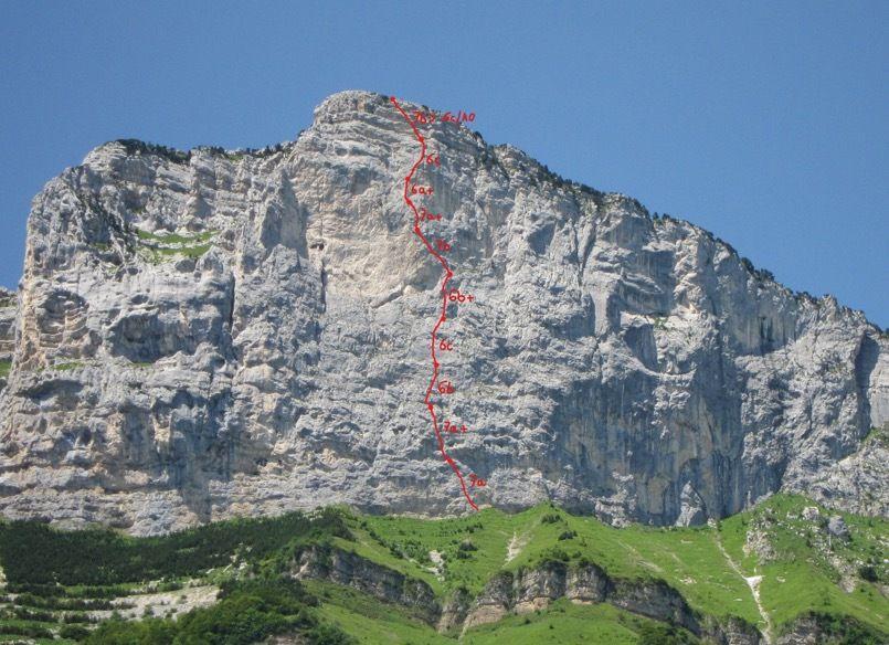 Bille de Clown (ED ou ED+) en face est des rochers du Midi. Merci au regretté Bruno Martel pour ce chef-d'oeuvre.