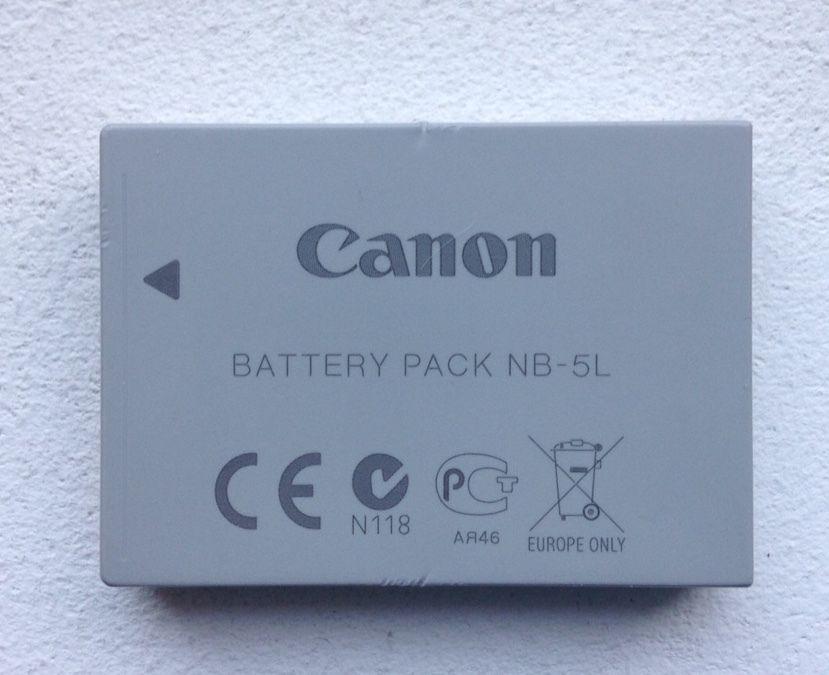 Batterie Canon d'origine, tenant toujours la charge, pour Canon S100 mais aussi pour les modèles suivants : Canon IXY Digital 800 IS, 810 IS, 820 IS, 900 IS, 910 IS, 1000, 2000 IS Canon Digital IXUS 90 IS, 800 IS, 850 IS, 860 IS, 870 IS, 900 Ti, 950 IS, 960 IS, 970 IS, 980 IS, 990 IS Canon PowerShot S100, S110, SD700 IS, SD790 IS, SD800 IS, SD850 IS, SD870 IS, SD880 IS, SD890 IS, SD900, SD950 IS, SD970 IS, SD990 IS, SX200 IS, SX210 IS, SX220 HS, SX230 HS