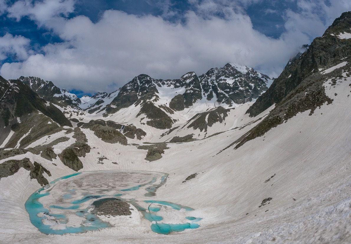 Lac de  la Folle et pic de la GV