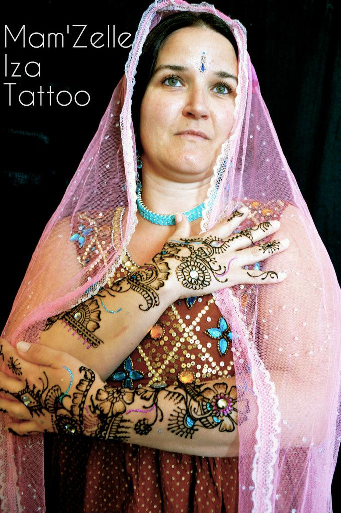 Tatouage au henné ou Mehendi, improvisation.