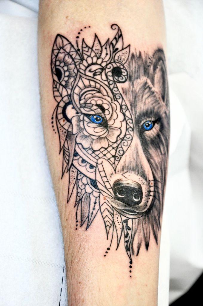 Tatouage tête de Loup et Mehendi, Ornemental &amp&#x3B; Réaliste.