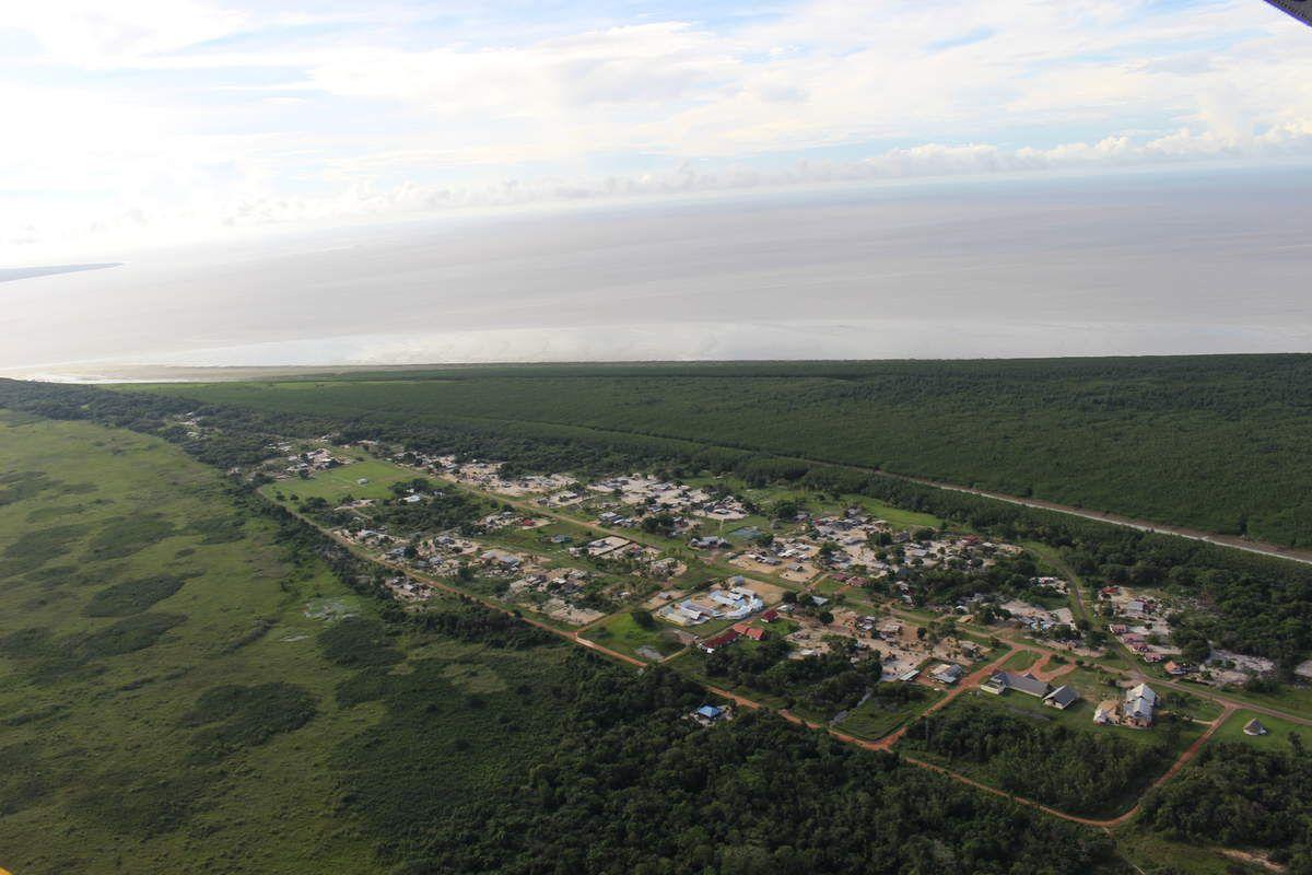 La commune d'Awala-Yalimapo, village amérindien : C'est là qu'on vient pour la plage à 20 km de Mana.
