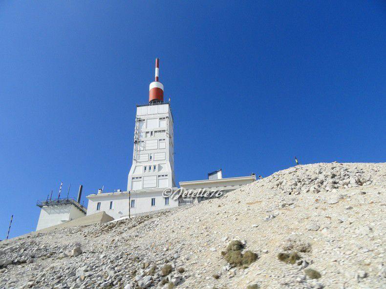 La tour de l'Observatoire située au sommet du mont Ventoux