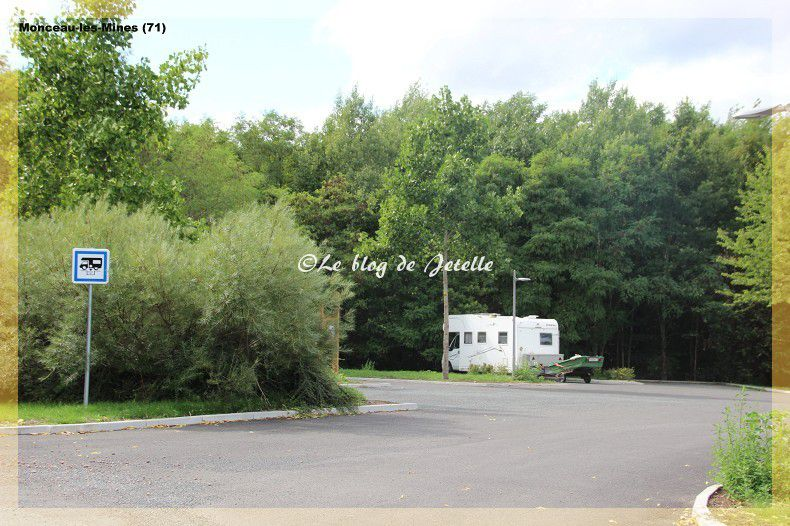 Aire montceau les mines 71 aires et sites jetelle for Garage automobile montceau les mines