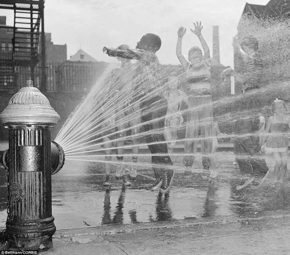 Bouches d'incendie transformées en piscines : Une sous-culture allogène mal digérée par des populations aux origines allogènes !