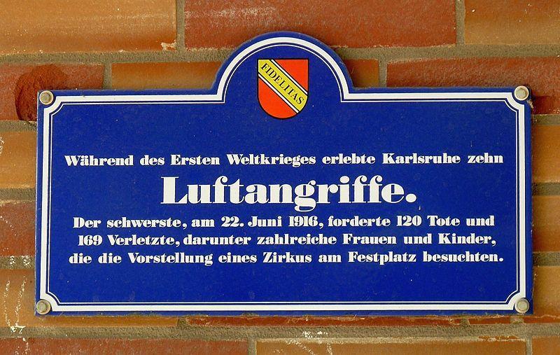 Il y a 100 ans le premier raid aérien sur Berlin , l'un des premiers crimes de guerre des forces aériennes Françaises et il y a 75 ans début de l'opération &quot&#x3B; Barbarossa &quot&#x3B; .