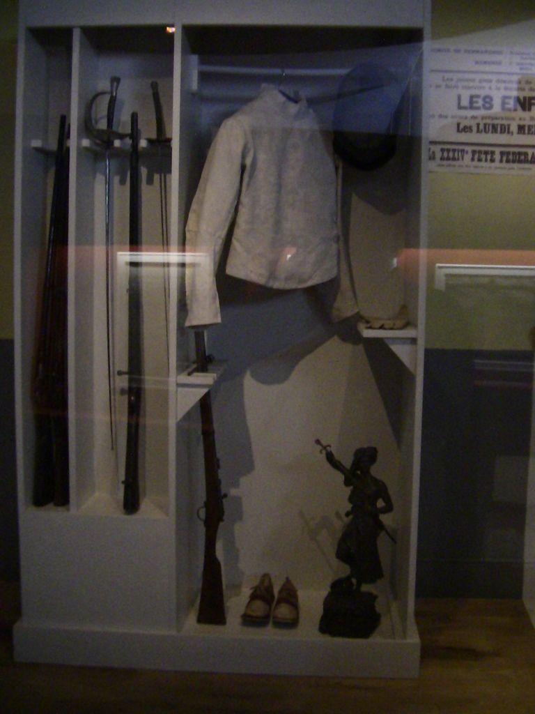 Classe de 1914 et tenue d'entrainementa u tir d'un bataillon scolaire