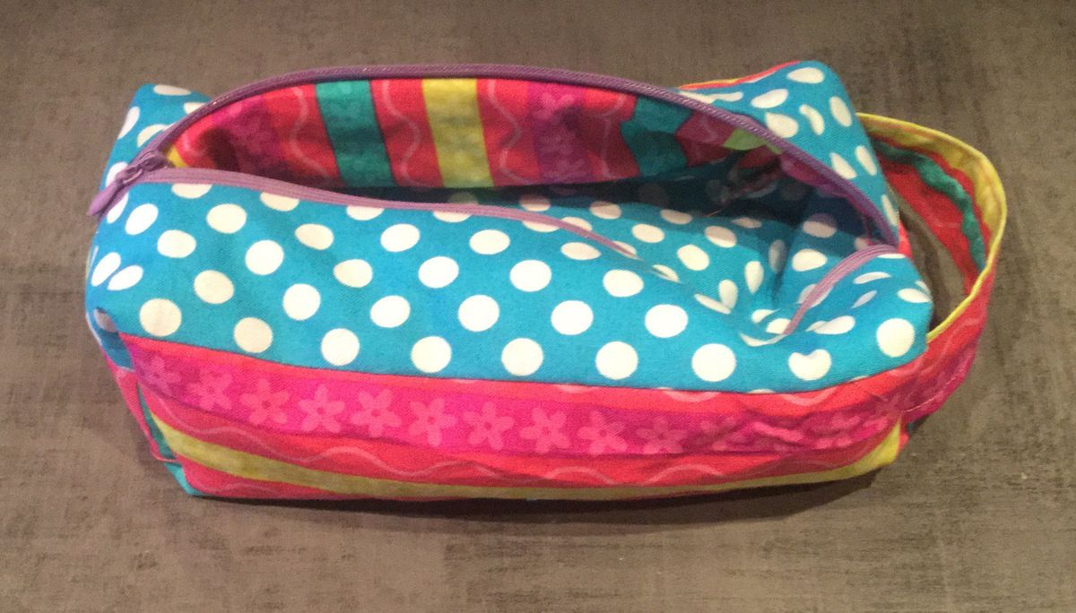 Couture une petite trousse petitcoeuramoi for Couture trousse
