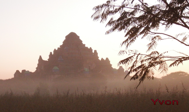 Coucher de soleil à Bagan...