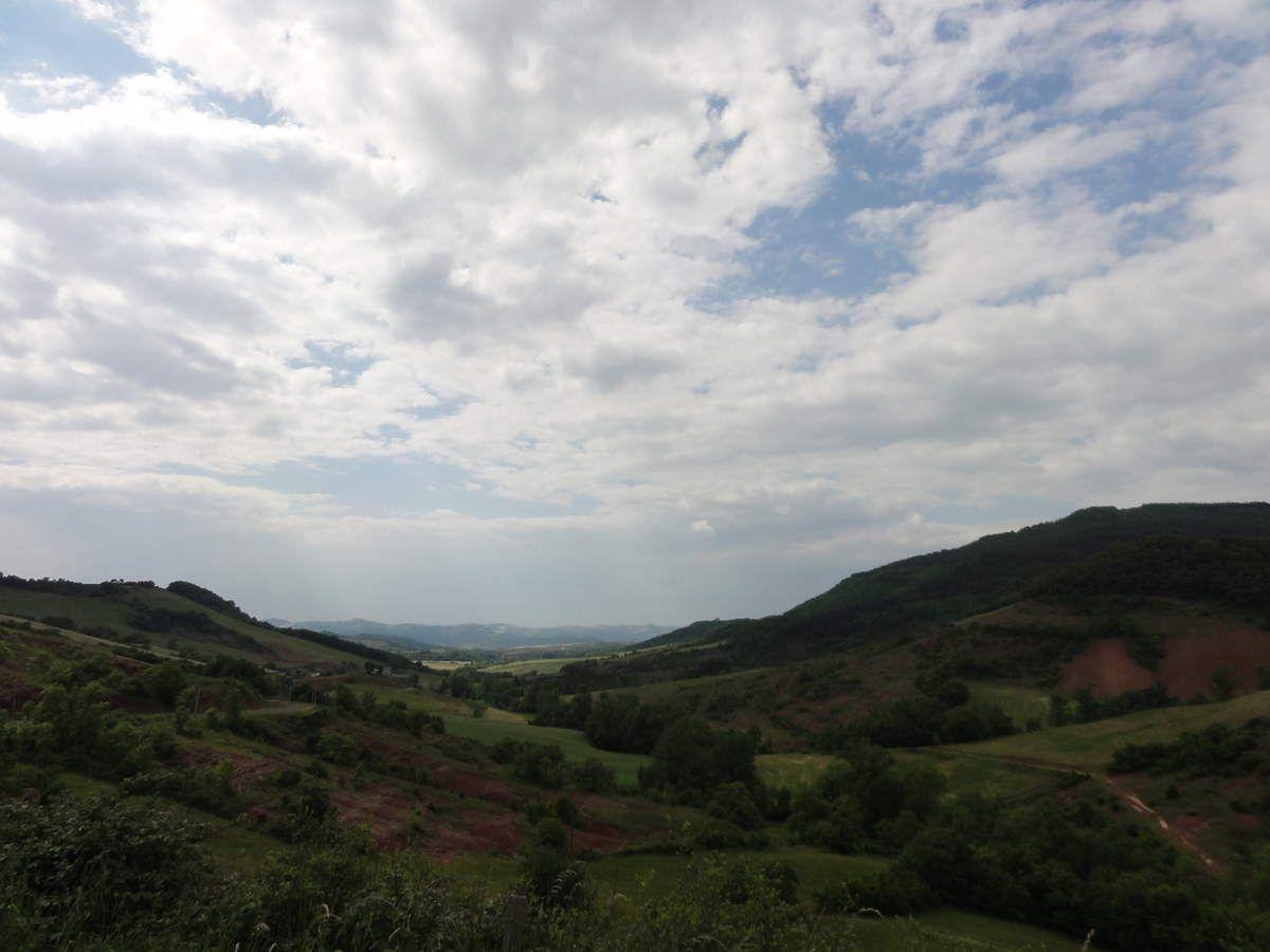 Ciel mitigé sur le Rougier - vallée du Grauzou (Gissac)