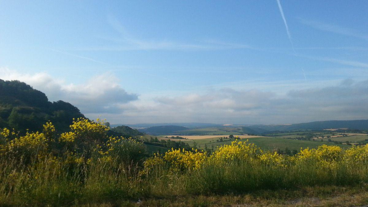 Nuages bas du matin sur les monts de Lacaune