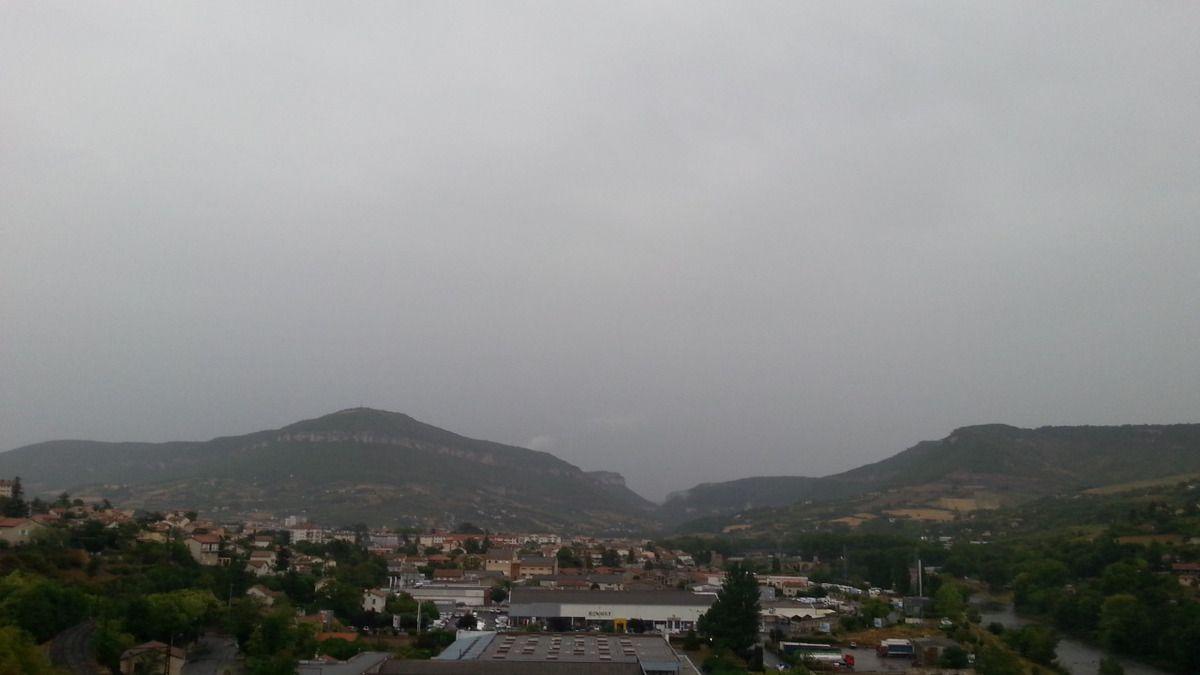 ciel couvert et pluvieux sur Millau
