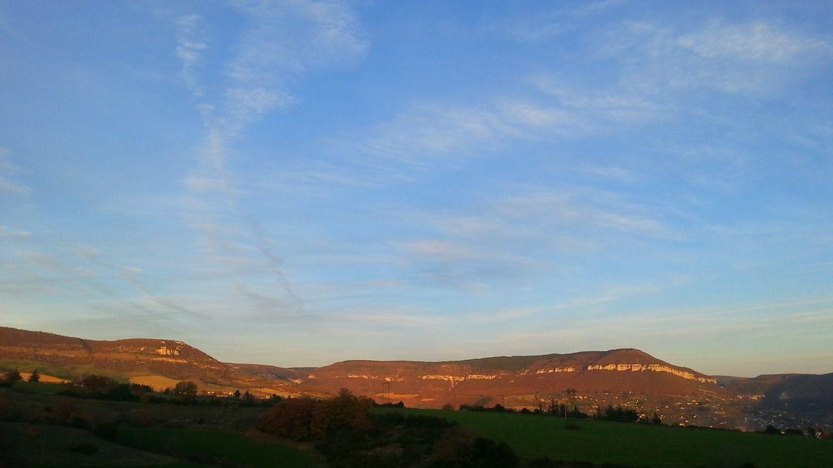 Ciel sur Millau et la Poucho d'Agast ce samedi