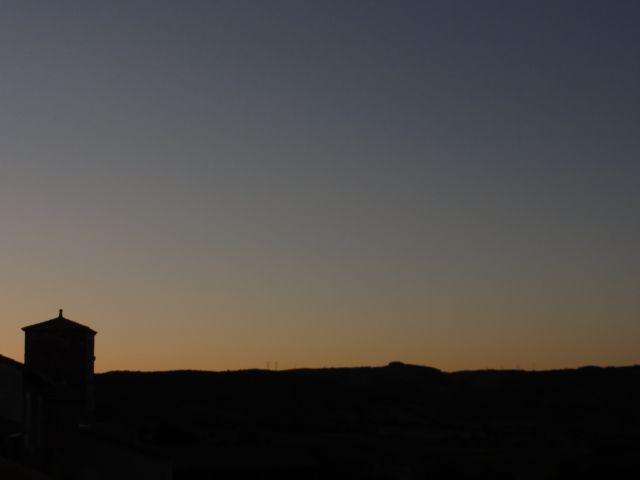 Crépuscule du soir sans nuages