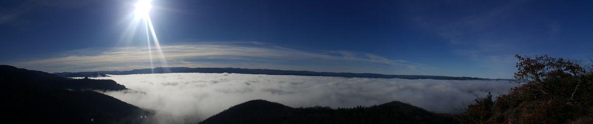 Panorama sur mer de nuages du Rougier