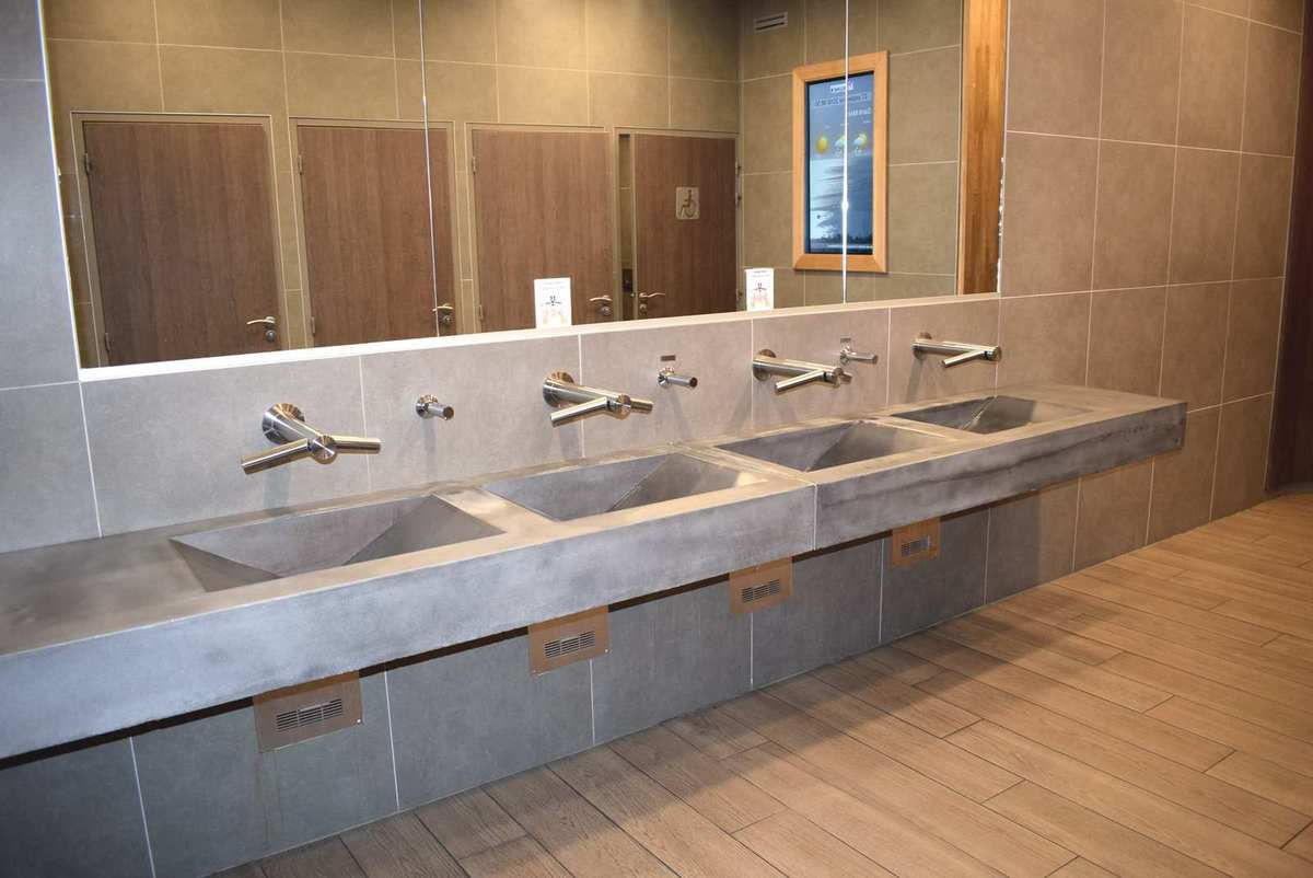vasque toilette publique