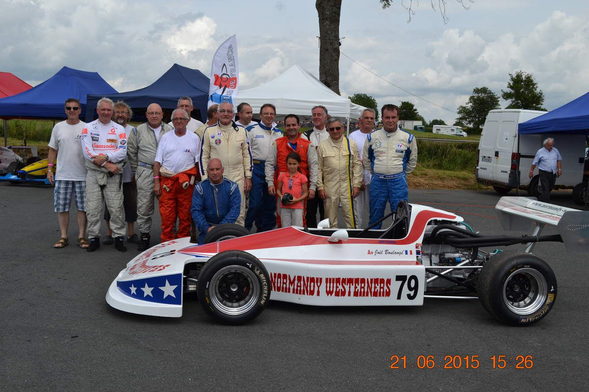 (17) NORMANDY WESTERNERS dans la Course