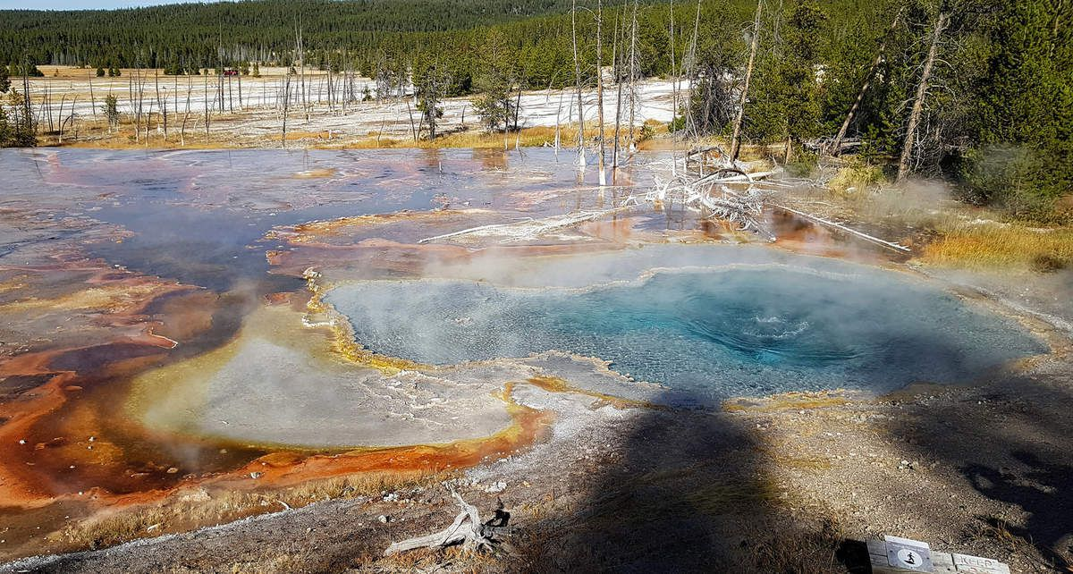 Yellowstone Firehole Lake Drive Firehole Spring