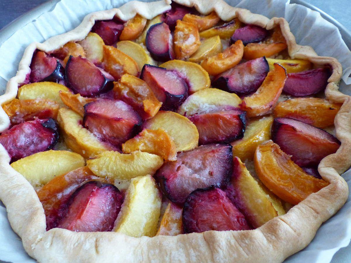 Tarte aux abricots, pêches et prunes