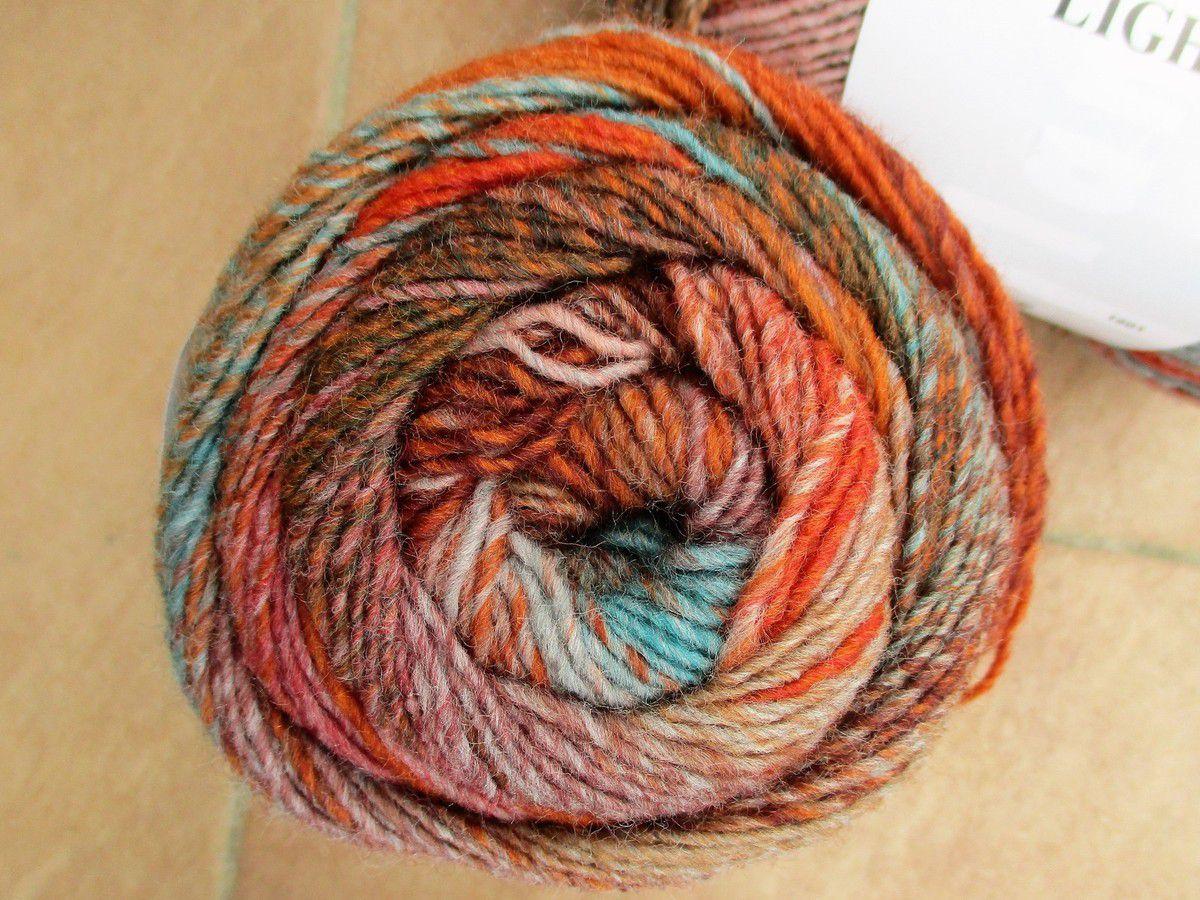 Poncho en tricot modulaire