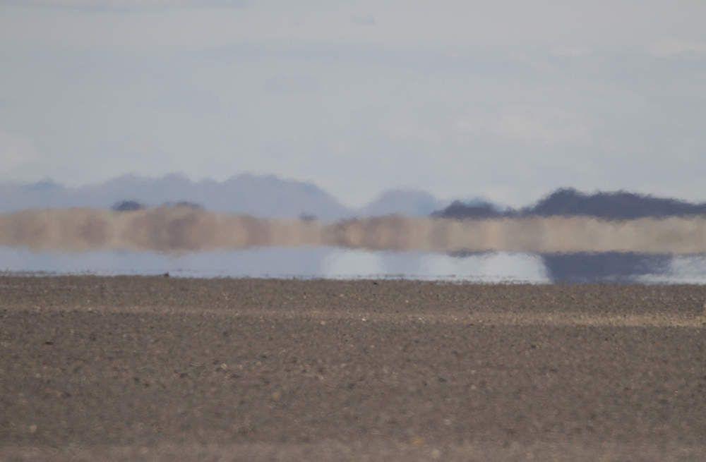 Les mirages, immenses, font croire à la présence de grands lacs...