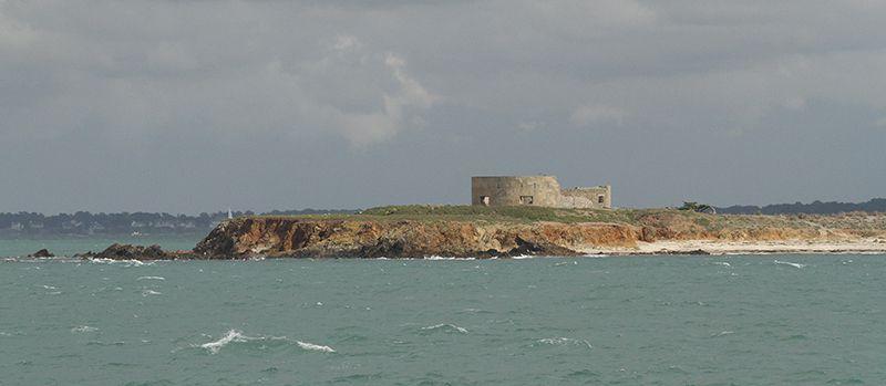 L'île Dumet. Arc en ciel sur l'océan.