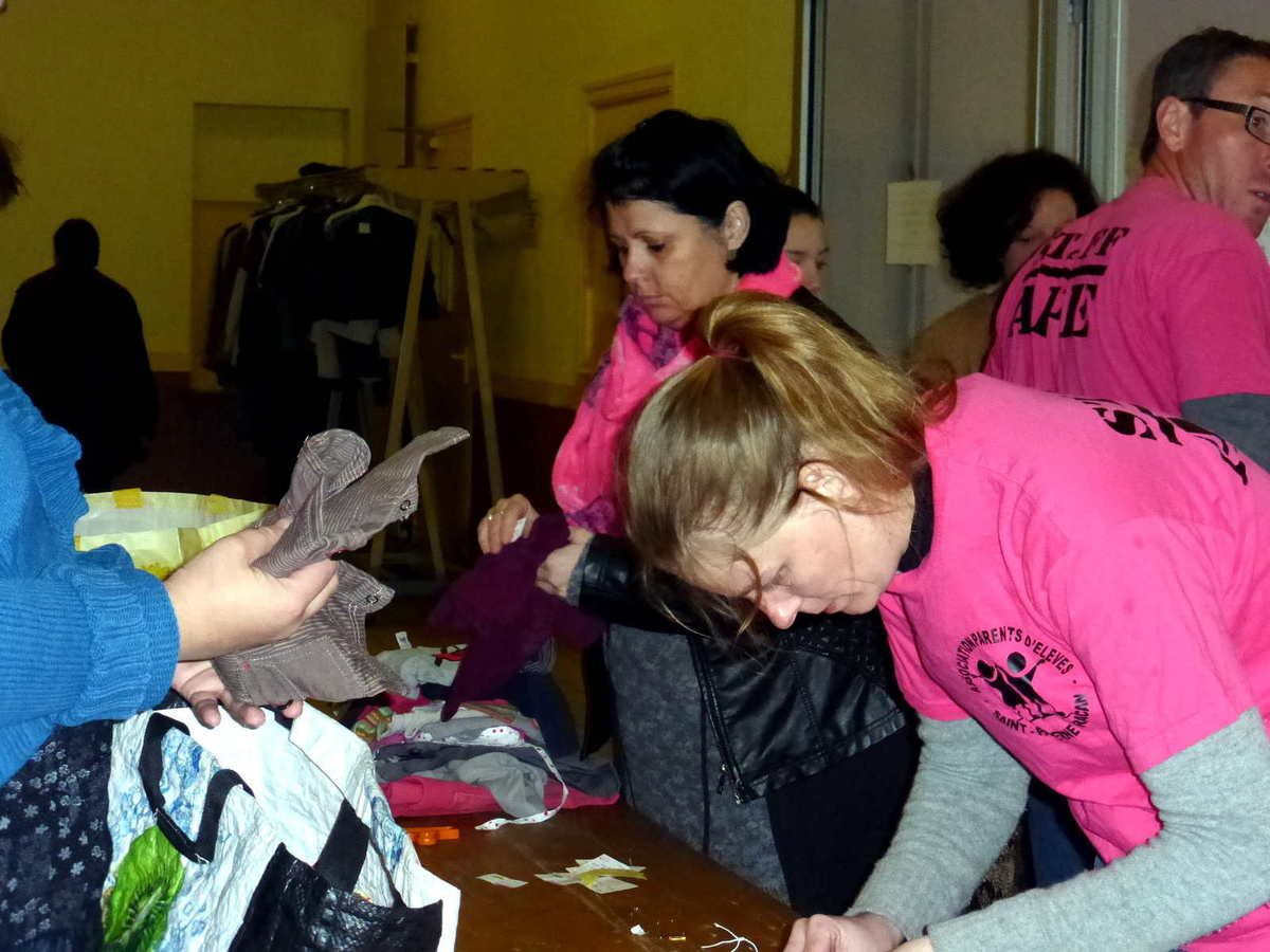 Bourse aux vêtements à Saint-Paterne-Racan