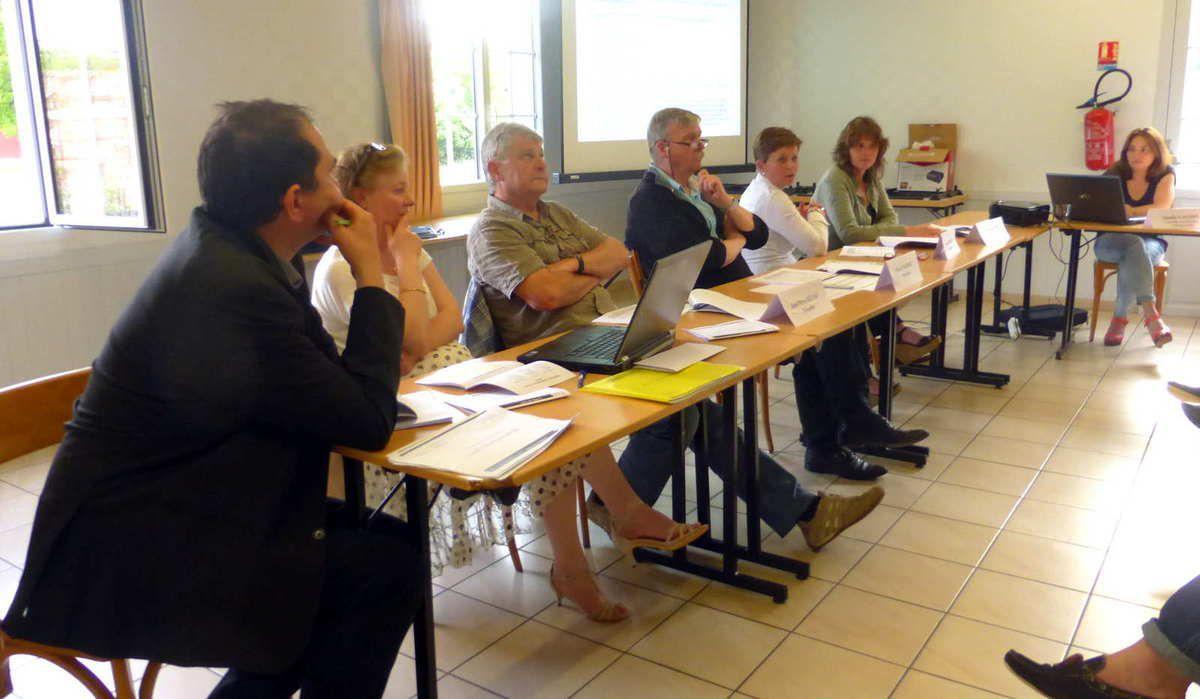 Permanents, membres du CA et comptables pendant la présentation des résultats de 2015