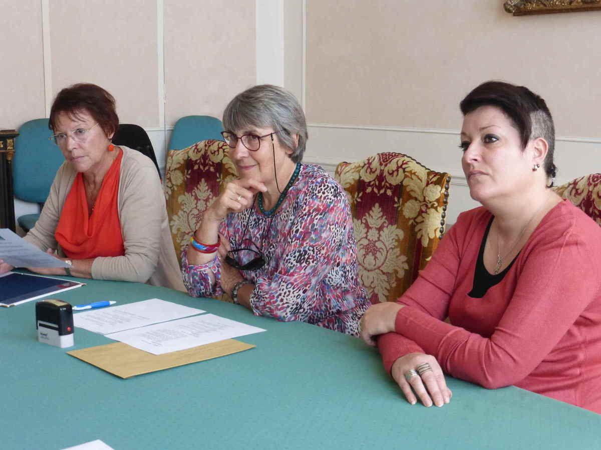 Catherine Maleval entourée par les élues christophoriennes