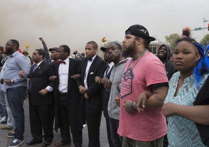 La otra cara de Baltimore: Las fotos que nunca mostraran los medios sobre los disturbios