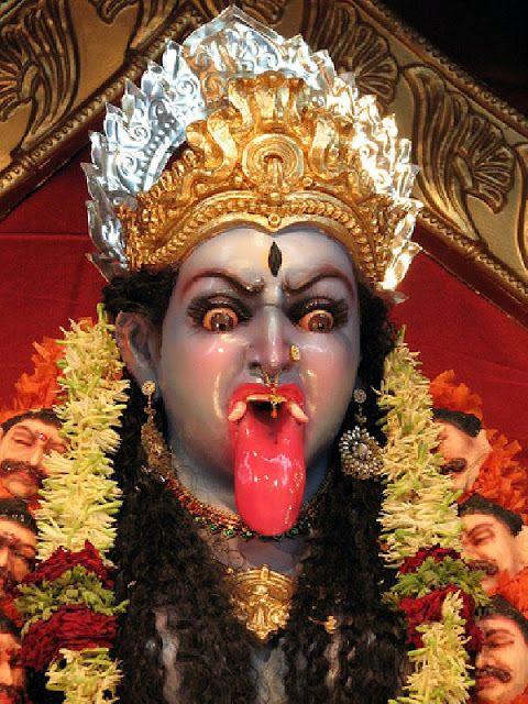 Detalle de una estatua de Kali, la destructura