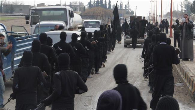 Daesh Takfiri terrorists in the Syrian town of Tal Abyad, near the border with Turkey, on January 2, 2014 (Reuters)  http://217.218.67.231/Detail/2016/02/18/450912/militants-Turkey-Syria-500/