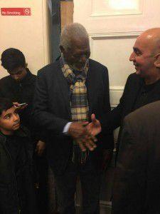 Imágenes del actor americano Morgan Freeman participando en la conmemoración de la Achura chiita