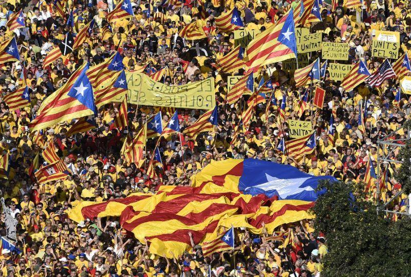 Imagen de una manifestación independentista en Catalunya (Yahoo News)