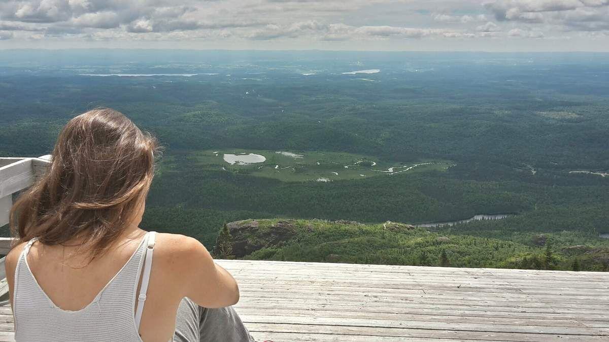 Canada : Celui qui randonnait dans le Parc des Monts Valin