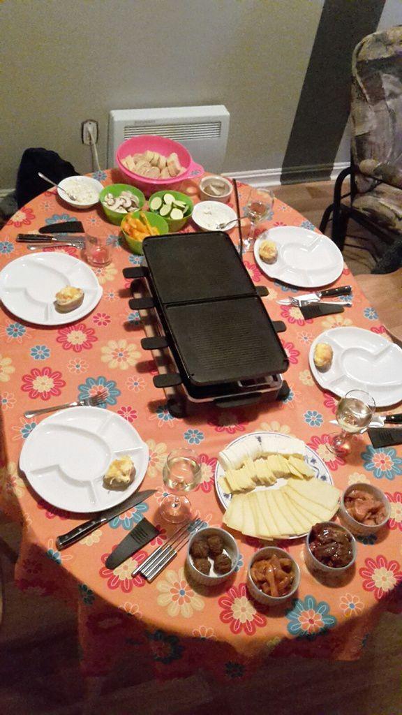 Canada : Celui qui mangeait une raclette québécoise