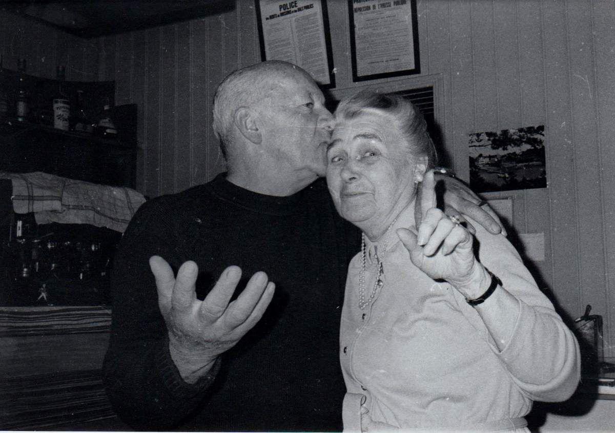 Yves Martin, propriétaire de l'hôtel Bellevue, et Mme Luxer