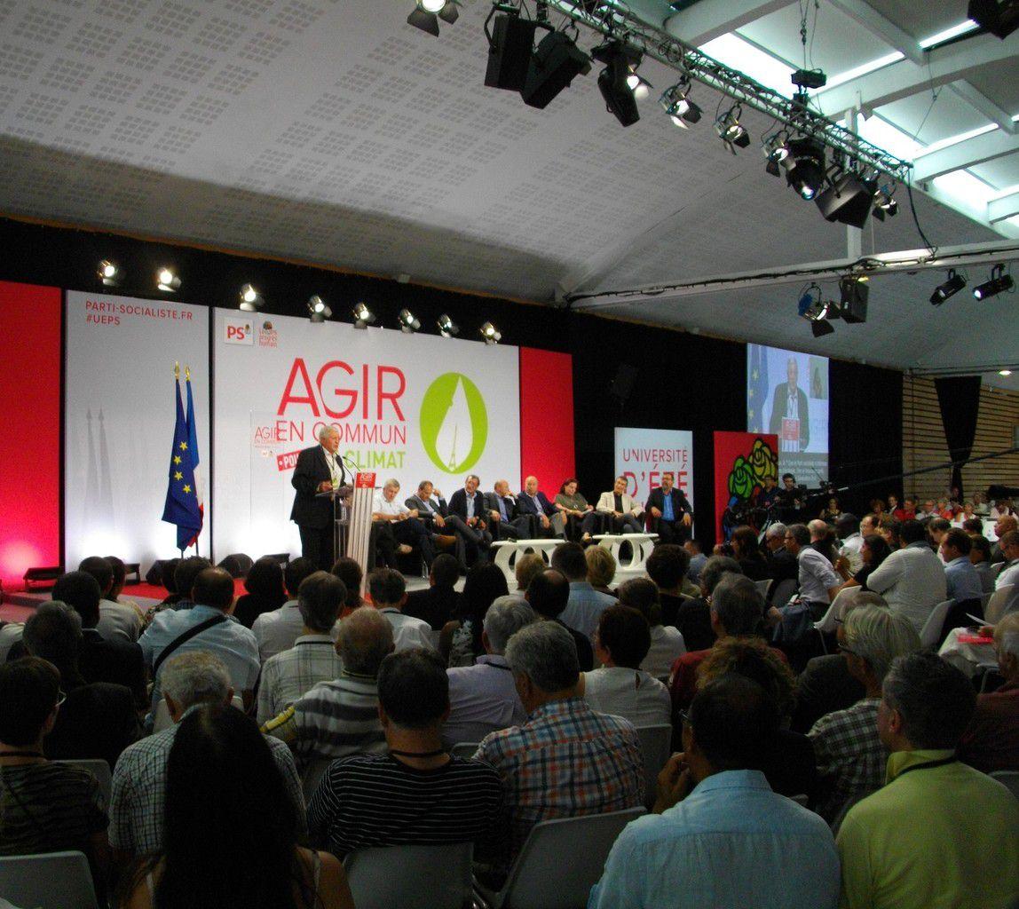 Yves Piétrasanta à la tribune lors de l'Université d'été 2015 du Parti Socialiste à La Rochelle