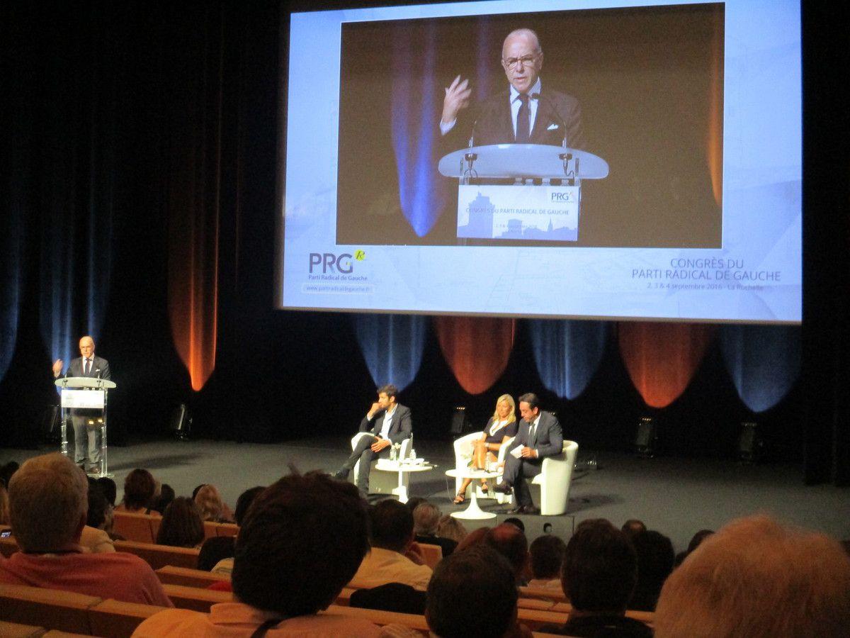 A la Rochelle, Bernard CAZENEUVE défend les valeurs de la République