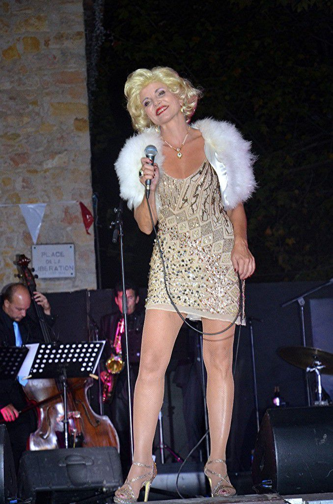 ETERNELLE MARILYN, SUBLIME CAROLINE