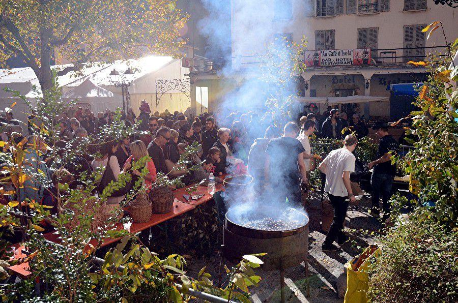 LA CASTAGNADA D'ISOLA ( Fête de la châtaigne)
