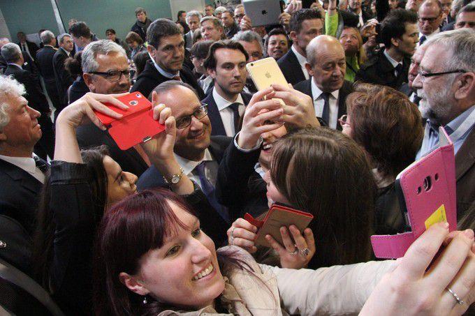 Hollande en tournée marketing à Brest